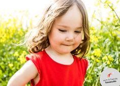 rech & friends fotostudio » Ich bin Lydia und bin leidenschaftliche Fotografin und komme aus dem schönen Leipzig. Spezialisiert habe ich mich auf die Portraitfotografie. Bewerbungsfotos, kreative Portraits, Schwangerschaftsfotos, Neugeborenenfotos und Familienfotos gehören regelmäßig zu meinen fotografischen Dienstleistungen.