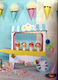 Ice Cream Social Centerpiece, Ice Cream Centerpiece, Ice Cream Party. DIY Centerpiece