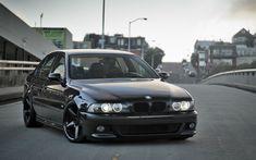 BMW E39 Review