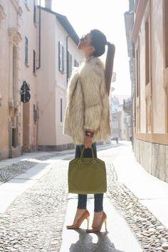 #lookelegante come abbinare una pelliccia #nicolettareggio #scentofobsession   www.scentofobsession.com