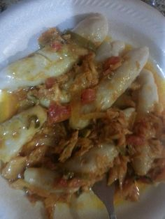 Guanimes con bacalao guisado....home made by me.....cmvg Hispanic Dishes, Comida Boricua, Puerto Rico Food, Spanish Food, Spanish Recipes, Best Juicer, Mexican Food Recipes, Ethnic Recipes, Puerto Rican Recipes
