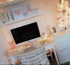 Cute decor #pink #lights #bedroom