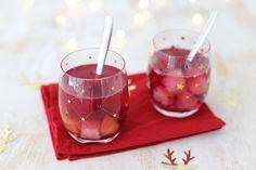 Op zoek naar een lekker recept voor bowl? Wij delen een recept voor een kerstbowl met appel, ananas en kersen. Lekker en simpel!