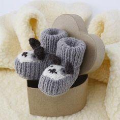 Télécharger les explications des chaussons petit chien (Bergère de France) Ouvrages du livre « Chaussons de bébé » des Editions...