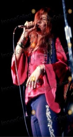 Janis ♥ on stage.