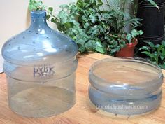 DIY Self Watering Container from a 5 Gallon Water Cooler Bottle 5 Gallon Water Bottle, Water Bottle Crafts, Plastic Bottle Crafts, Recycle Plastic Bottles, Water Bottles, Water Jugs, Growing Hibiscus, Growing Flowers, Self Watering Containers