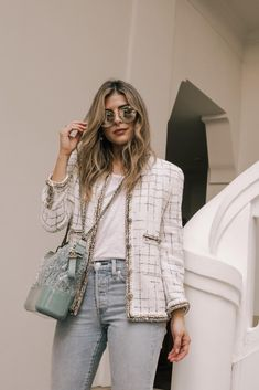 How to Take Your Jeans from Casual to Chic - The Girl from Panama Casual Preppy Outfits, Chic Outfits, Trendy Outfits, Girly Outfits, Fashion Outfits, Fashion Capsule, Classic Outfits, Dress Casual, Style Désinvolte Chic
