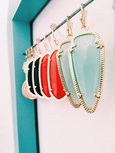 Kendra Scott everything! Ear Jewelry, Cute Jewelry, Jewelry Box, Jewlery, Jewelry Watches, Jewelry Accessories, Pandora Jewelry, Glamour, Types Of Fashion Styles