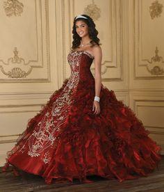 Google Image Result for http://1.bp.blogspot.com/-Z1ZBUutw8EU/T-IbbjL-psI/AAAAAAAAAyY/LvE5hErzWfM/s640/house-of-wu-quinceanera-dress-4.jpg