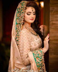 Beautiful Blonde Girl, Wedding Pics, Sari, Fashion, Marriage Pictures, Saree, Moda, Fashion Styles, Fashion Illustrations