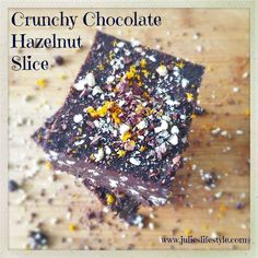 Easy Raw Vegan Recipe for Crunchy Chocolate Hazelnut Slices. Raw Vegan Desserts, Raw Vegan Recipes, Vegan Sweets, Fast Dinner Recipes, Whole Food Recipes, Snack Recipes, Raw Chocolate, Chocolate Recipes, Vegan Bar