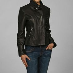 @Overstock - This Izod gathered-back cycle jacket features silver YKK zippers. Made of New Zealand lambskin, This buttery soft cycle jacket never goes out of style.http://www.overstock.com/Clothing-Shoes/Collezione-Womens-Lambskin-Cycle-Jacket/4122858/product.html?CID=214117 $126.99