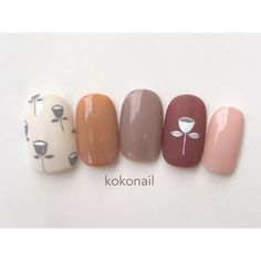 Nude colours and minimalist flower design Love Nails, Pretty Nails, Korea Nail Art, Diy Nail Designs, Japanese Nails, Flower Nail Art, Creative Nails, Nail Arts, Manicure And Pedicure