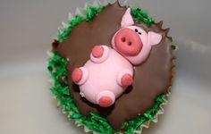 schweinchen pic schokolade fondant zuckermasse färeben gras schlamm kokosraspel