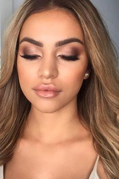 30 Wedding make-up looks exceptionally natural Wedding make-up . - 30 wedding makeup looks exceptionally natural wedding makeup … – Макіяж – of - Natural Wedding Makeup Looks, Soft Bridal Makeup, Wedding Makeup For Brown Eyes, Wedding Hair And Makeup, Natural Makeup, Natural Beauty, Simple Makeup, Hair Wedding, Wedding Makeup Brunette