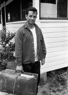 Jack Kerouac, setting off On The Road, Photo by Robert Frank Robert Frank, Beat Generation, Allen Ginsberg, Book Writer, Book Authors, Nerd Boyfriend, Writers And Poets, Beatnik, Portraits