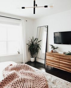 86 cool first apartment decorating ideas on a budget 36 - .- ✔ 86 cool first apartment decorating ideas on a budget 36 – # Source by emre_schlafzimmer - Simple Bedroom Decor, Decor Room, Simple Bedrooms, Simple Apartment Decor, Small Apartment Bedrooms, White Studio Apartment, Bedroom Ideas Master On A Budget, Apartment Decoration, White Room Decor