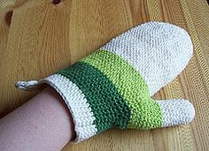 Ravelry: Oven mitt with thumb gussett pattern by gitwerg