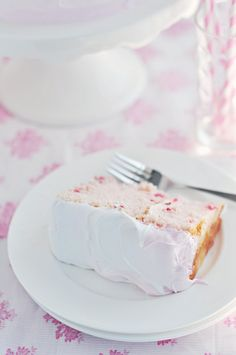 Cherry Delight Cake via Sweetapolita - this looks so perfect and simple and homemade.