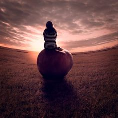 Anja Stiegler is a creative photographer and image artist alongside her job as a project manager.