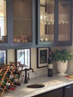 Metal screen door makeover kitchen cabinets New Ideas Metal Screen Doors, Design Scandinavian, Kitchen Design, Kitchen Decor, Bar Cart Decor, Door Makeover, Cupboard Doors, Basement Remodeling, Home Kitchens
