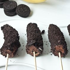 These Peanut Butter Chocolate & Oreo Banana Pops look so good!!!!!!!!!!!!!!!!!!!!!!!!!!!!!!