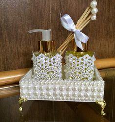Kit lavado    Bandeja com pérolas, sabonete líquido e aromatizador com varetas…