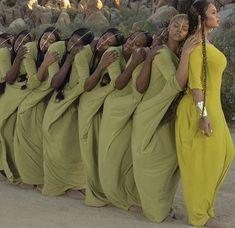 Abaya Dubai, Black Power, African Beauty, African Fashion, Black People Weddings, Black Weddings, Kreative Portraits, Black Girl Aesthetic, Foto Pose