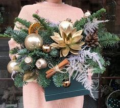 Christmas And New Year, Simple Christmas, Christmas Wreaths, Christmas Time, Christmas Decorations, Christmas Ornaments, Holiday Decor, Christmas Table Centerpieces, Christmas Arrangements