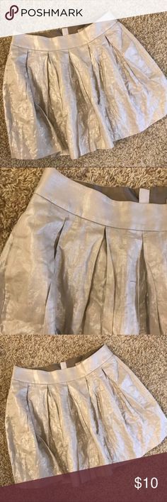 Banana Republic skirt Excellent condition! Like new!!! No flaws or  extreme wear! Reasonable offers accepted! Banana Republic Skirts