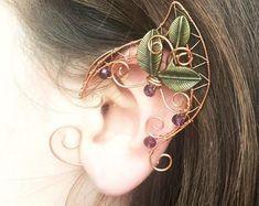 Elven ears (a pair). Earcuffs Elf ears cosplay fantasy decoration for ears elven ear ear cuff elvish earring elf ear der Hobbit Ear Cuffs, Elf Ear Cuff, Ear Jewelry, Cute Jewelry, Jewelery, Jewelry Making, Boho Jewelry, Elfen Fantasy, Elf Cosplay