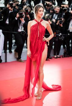 Alessandra Ambrosio Red Julien Macdonald Gown at Cannes 2019 Alessandra Ambrosio, Moda Victoria Secret, Victoria Secret Fashion Show, Tilda Swinton, Les Miserables, Julien Macdonald, Celebrity Dresses, Celebrity Style, Celebrity Jewelry