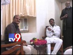 Congress MLA Ravi meets Jagan in jail
