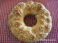Kókusztejes fonott kalács-koszorú Bagel, Bread, Food, Brot, Essen, Baking, Meals, Breads, Buns