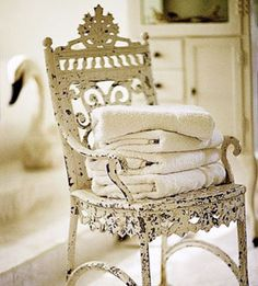 Dignified articulated Shabby Chic Home vintage Shabby Vintage, Chic Antique, Vintage Decor, Vintage Iron, Antique Iron, Shabby Chic Chairs, Shabby Chic Homes, Shabby Chic Furniture, Rustic Chair
