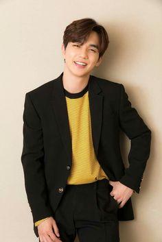 Yoo Seung Ho (character, one of the surgeons? Yoo Seung Ho, Korean Star, Korean Men, Asian Men, Kim Min, Lee Min Ho, Kim Myungsoo, Handsome Korean Actors, Child Actors