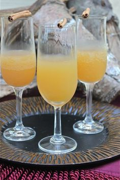 Your Southern Peach: Weekend Cheers: Apple Cider Bellini
