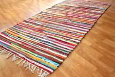 Räsymatto, värikäs, matto, Strehög of Sweden - Happy Jodhpur, Tabarka, Toothbrush Rug, Braided Rag Rugs, Wilton, Different Shades Of Red, Home Remodel Costs, White Rug, Recycled Fabric