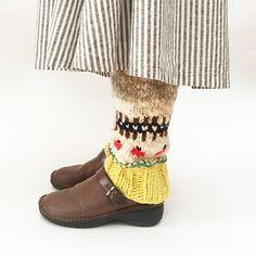 レッグウォーマー- 編み物キットオンラインショップ・イトコバコ Drops Design, Leg Warmers, Knit Crochet, Slippers, Ankle, Legs, Knitting, Boots, Happy