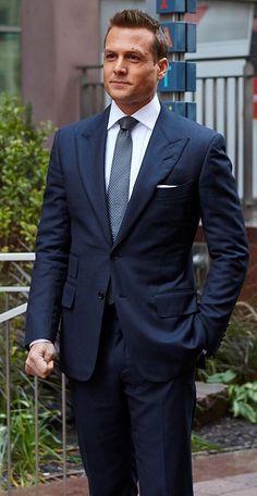 Best Blue Suits For Men, Blue Suit Men, Navy Blue Suit, Harvey Specter Suits, Suits Harvey, Suits Series, Suits Tv Shows, Mens Fashion Suits, Mens Suits