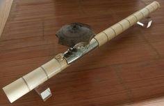 Importante pipe à opium annelée d'ivoire