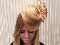 Turn Your Hair Into A Fancy Top Hat [Video]