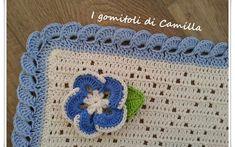 Copertine a uncinetto con schemi e spiegazioni | I gomitoli di Camilla Afghan Blanket, Baby Blanket Crochet, Crochet Baby, Free Crochet, Knit Crochet, Beret Rouge, Camilla, Manta Crochet, Happy Baby