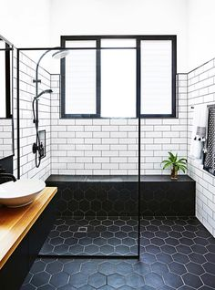 47 Best Modern Bathroom Tile Inspirations For Your Beautiful Bathroom - Design Modern Bathroom Tile, Bathroom Design Luxury, Modern Shower, Bathroom Renos, Modern Bathroom Design, Bathroom Renovations, Shiplap Bathroom, Bathroom Subway Tiles, Basement Bathroom Ideas