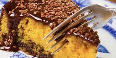 Melhor receita de bolo de cenoura com chocolate leva camada de doce de leite | Dicas & Receitas