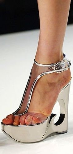 edecd1e976b220 This Emilio Pucci shoes is just a dream.