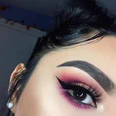 Pretty pink makeup - @Beejoloves