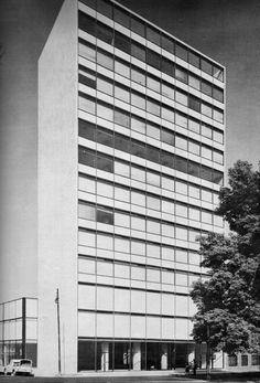 Edificio Sullivan 1958  Col. San Rafael. México D.F.  Arq. Ricardo de Robina, Arq. Manuel Barron
