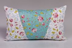 Bájos párna kis- és nagylányoknak. :) Wordpress, Throw Pillows, Design, Yarns, Toss Pillows, Cushions, Decorative Pillows, Decor Pillows