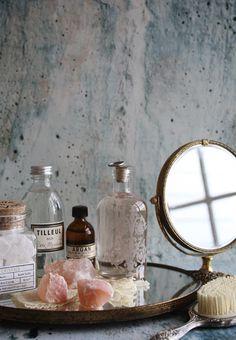 a soft and pretty vanity - more interior inspiration at jojotastic.com